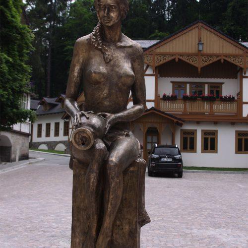 Pomnik Dziewczyna z dzbanem